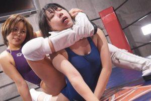 ラウンドごとに水着が変化!みひなVS亜矢みつき女子プロレス対決!